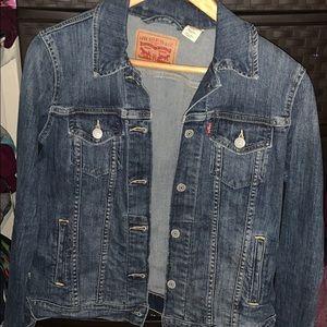 Women's Levi's jacket
